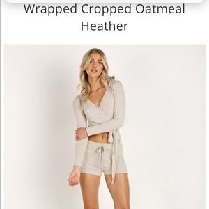 Beyond yoga wrapped cropped oatmeal heather top